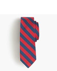 Corbata de rayas horizontales roja