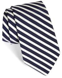 Corbata en blanco y azul marino