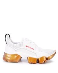 Deportivas blancas de Givenchy