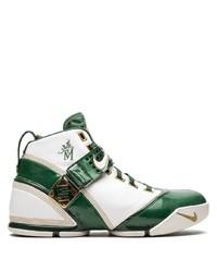 Deportivas de cuero en blanco y verde de Nike