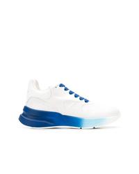 Deportivas en blanco y azul de Alexander McQueen