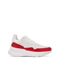 Deportivas en blanco y rojo de Alexander McQueen