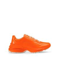 Deportivas naranjas de Gucci