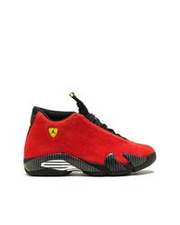 Deportivas rojas de Jordan