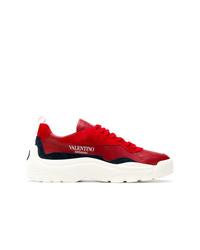 Deportivas rojas de Valentino