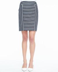 Falda lápiz de rayas verticales en blanco y negro