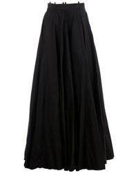 Falda larga plisada negra de Yang Li
