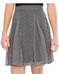Falda línea a de pata de gallo en blanco y negro