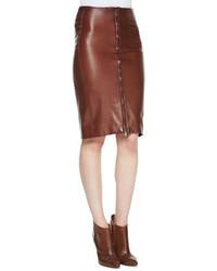 Falda midi de cuero marrón
