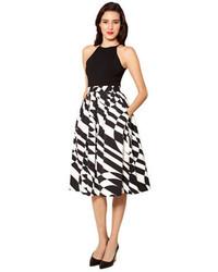 Falda midi estampada en negro y blanco