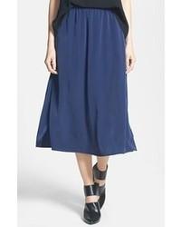 Falda midi plisada azul marino