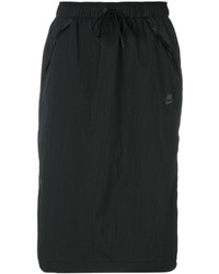 Falda negra de Nike