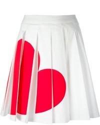 Falda skater estampada en blanco y rojo de Love Moschino