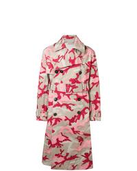 Gabardina de camuflaje rosada de Valentino