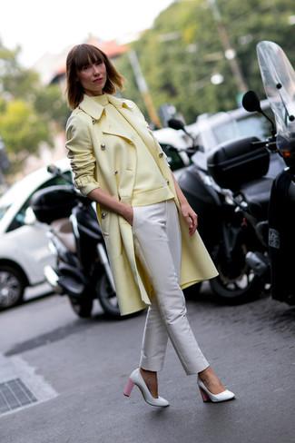 amarillo pantalones amarillo Cómo beige pitillo cuello combinar jersey en abrigo alto de EwqqH8O0nr