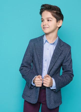 Cómo combinar: blazer azul marino, camisa de manga larga celeste, pantalones morado oscuro