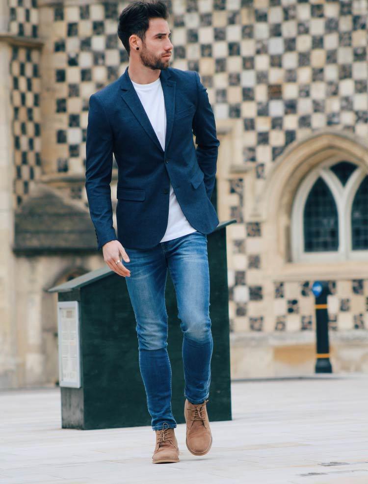Look De Moda Blazer Azul Marino Camiseta Con Cuello Circular