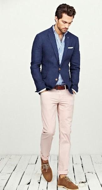 Como combinar una chaqueta azul marino de hombre