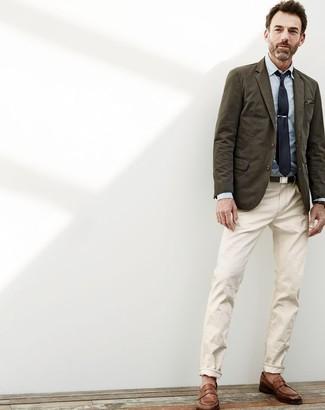 Intenta combinar un blazer de algodón verde oliva de hombres de Paul Smith junto a un pantalón chino beige para lograr un look de vestir pero no muy formal. Este atuendo se complementa perfectamente con mocasín de cuero marrón.