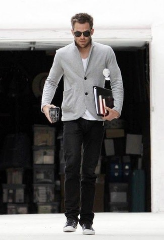 cuello v una combinar Cómo gris con una en chaqueta camiseta con FZqwqp4