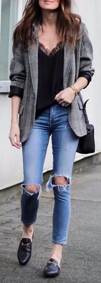 Elige un blazer de tartán gris y un reloj dorado de Larsson & Jennings para una apariencia fácil de vestir para todos los días. Haz mocasín de cuero negros tu calzado para destacar tu lado más sensual.
