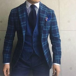 Cómo combinar: blazer de lana de tartán en verde azulado, chaleco de vestir vaquero azul marino, camisa de vestir de rayas verticales en blanco y azul marino, pantalón chino negro