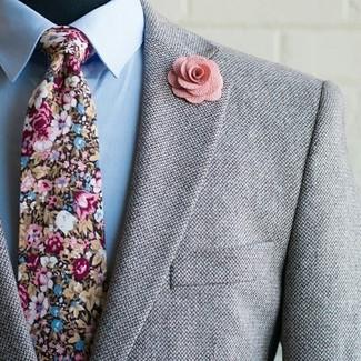 Considera emparejar un blazer de lana gris con una camisa de vestir celeste para rebosar clase y sofisticación.