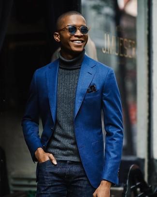 Si buscas un look en tendencia pero clásico, equípate un blazer de algodón azul junto a unos vaqueros azul marino.