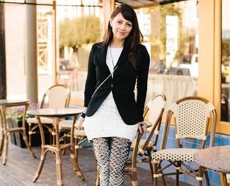 Blazer negro tunica a lunares blanca leggings estampados en negro y blanco large 2364