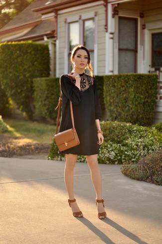 Como combinar un vestido marron y negro