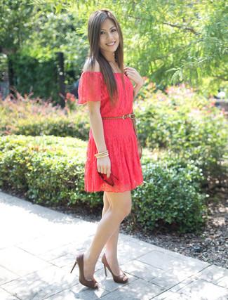 Vestido skater de encaje rosado de Jessica Simpson