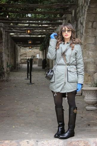 Look de moda: Guantes de lana celestes, Bolso bandolera de
