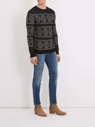 Cómo combinar: botas camperas de ante marrón claro, vaqueros azules, jersey con cuello circular de grecas alpinos negro
