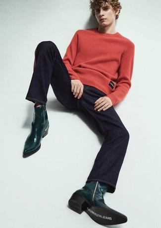 Cómo combinar: botas camperas de cuero verde oscuro, vaqueros azul marino, jersey con cuello circular rojo