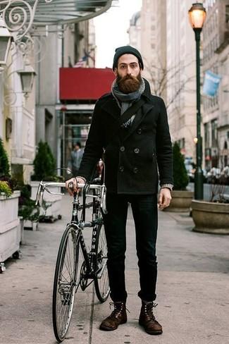 Combinar unas botas casual de cuero en marrón oscuro: Elige un chaquetón negro y unos vaqueros pitillo negros para un almuerzo en domingo con amigos. Con el calzado, sé más clásico y usa un par de botas casual de cuero en marrón oscuro.