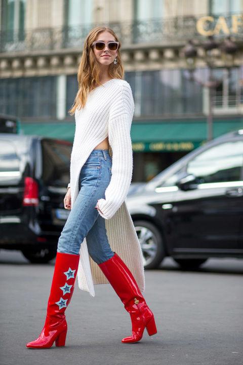 Look de moda  Botas de caña alta de cuero rojas c25363566ec3