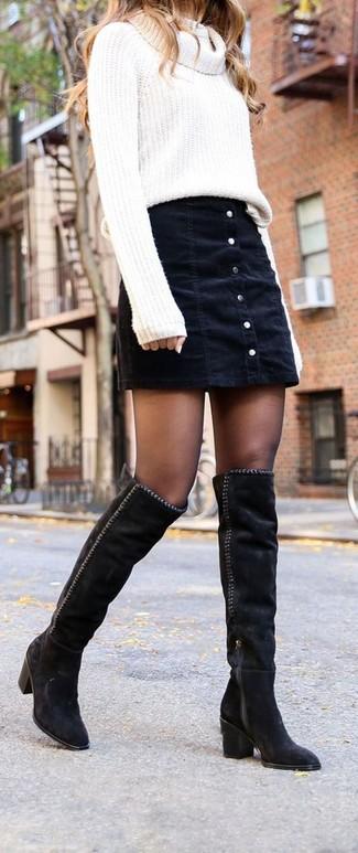ada4433c20 Cómo combinar una falda con botones vaquera negra (2 looks de moda ...