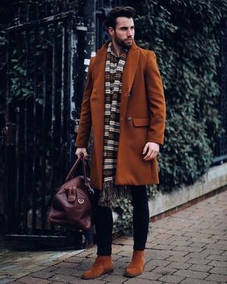 43fd7265b1 Cómo combinar una bolsa de viaje de cuero en marrón oscuro (79 looks ...