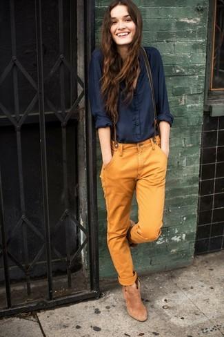 7855f3ecc Cómo combinar un pantalón chino marrón (3 looks de moda)