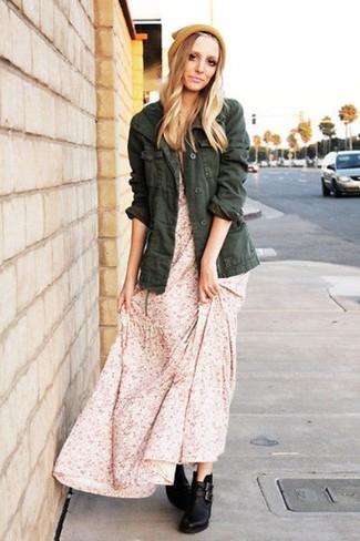 Cómo combinar un vestido largo con print de flores rosa (8 looks de ... 77d53a4268791