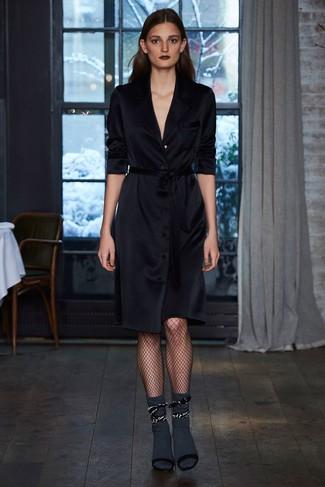 Vestido cruzado negro de Victoria Beckham