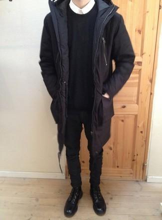 Combinar una parka negra: Opta por una parka negra y unos vaqueros negros para un look agradable de fin de semana. ¿Te sientes valiente? Complementa tu atuendo con botas casual de cuero negras.
