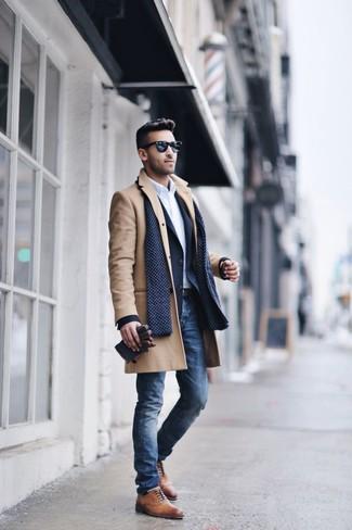 Abrigo largo marrón claro de Saint Laurent