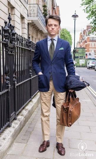 Combinar unos calcetines de rayas horizontales azul marino: Empareja una chaqueta estilo camisa acolchada azul marino junto a unos calcetines de rayas horizontales azul marino transmitirán una vibra libre y relajada. ¿Te sientes valiente? Haz zapatos con doble hebilla de cuero burdeos tu calzado.