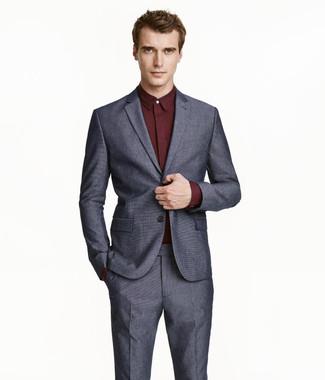 dc8240b20b5c1 Cómo combinar un traje en gris oscuro con una camisa de vestir ...