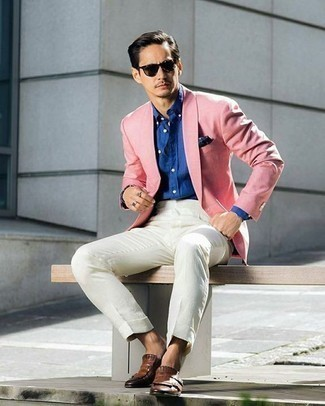 Combinar una camisa de vestir azul: Ponte una camisa de vestir azul y una camisa de vestir azul para una apariencia clásica y elegante. Un par de mocasín de cuero сon flecos marrón se integra perfectamente con diversos looks.