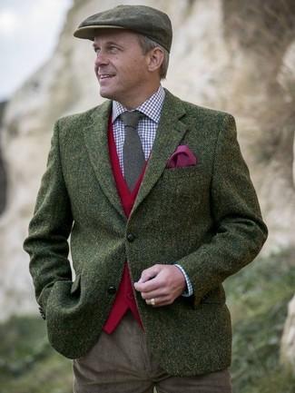 Combinar una gorra inglesa verde oscuro: Un blazer de lana de espiguilla verde oliva y una gorra inglesa verde oscuro son tu atuendo para salir los días de descanso.