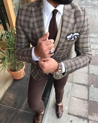Combinar un pantalón de vestir marrón: Emparejar un blazer de tartán marrón junto a un pantalón de vestir marrón es una opción incomparable para una apariencia clásica y refinada. Zapatos con doble hebilla de cuero marrónes son una opción práctica para completar este atuendo.