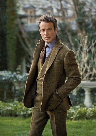 Cómo combinar: pantalón de vestir de lana de tartán verde oliva, camisa de vestir celeste, chaleco de vestir de lana de tartán verde oliva, blazer de lana de tartán verde oliva