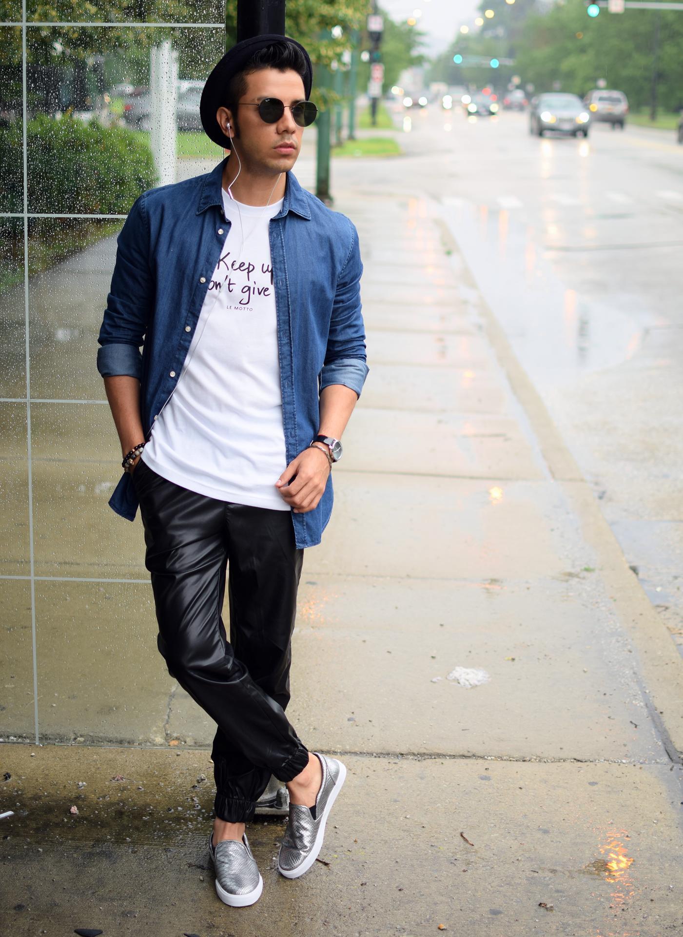 Azul Con Camisa Vaquera Circular Look Moda De Cuello Camiseta IwZxqgAO c5a027043f6b